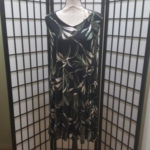 NEW! Style & Co Printed AV Neck line Dress